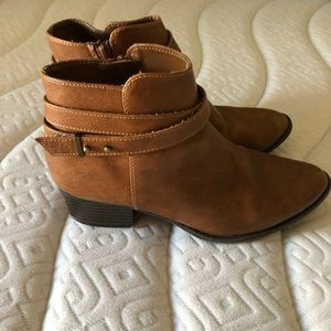 LC Lauren Conrad Ankle Booties